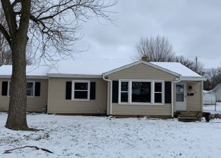 Pre Foreclosure in Lacon 61540 S SCHOOL ST - Property ID: 1501070185