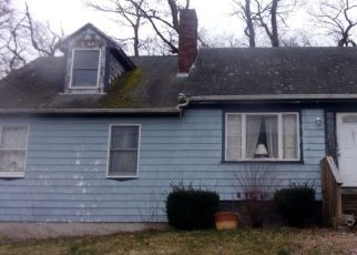 Pre Foreclosure in Somerset 02726 HARRISON AVE - Property ID: 1502081926