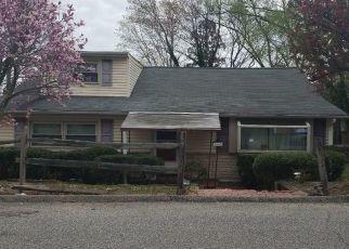 Pre Foreclosure in Edgewater 21037 OLDTOWN RD - Property ID: 1502834352