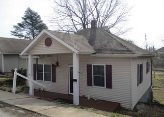 Pre Foreclosure in Bedford 47421 24TH ST - Property ID: 1502936394