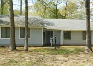 Pre Foreclosure in Issue 20645 KING CHARLES DR - Property ID: 1503047649