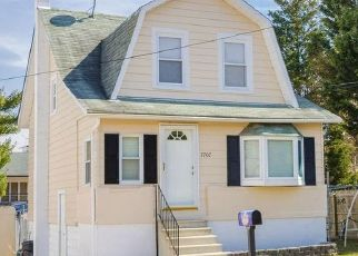 Pre Foreclosure in Baltimore 21224 BRADDOCK AVE - Property ID: 1503100193
