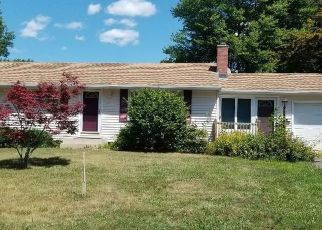 Pre Foreclosure in Enfield 06082 WINDHAM RD - Property ID: 1503237280