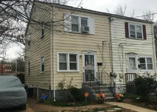 Pre Foreclosure in Hyattsville 20785 FIRE HOUSE RD - Property ID: 1503429558