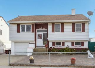 Pre Foreclosure in Freeport 11520 E 1ST ST - Property ID: 1503528986