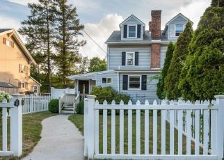 Pre Foreclosure in Pompton Lakes 07442 RINGWOOD AVE - Property ID: 1504175875