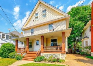 Pre Foreclosure in Lakewood 44107 ROYCROFT AVE - Property ID: 1504780714
