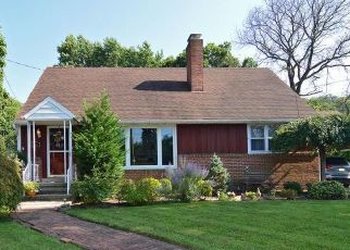 Pre Foreclosure in Reading 19606 BUTTER LN - Property ID: 1504908151