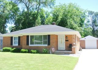 Pre Foreclosure in Green Bay 54302 S HENRY ST - Property ID: 1504968149