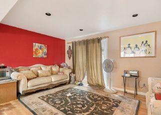 Pre Foreclosure in Renton 98058 160TH PL SE - Property ID: 1505385100