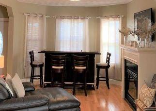 Pre Foreclosure in Medford 02155 FELLSWAY - Property ID: 1505572118