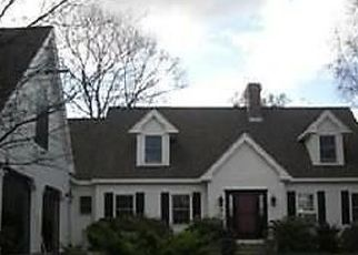 Pre Foreclosure in Amesbury 01913 LIONS MOUTH RD - Property ID: 1505648331