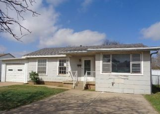 Pre Foreclosure in Plainview 79072 XENIA ST - Property ID: 1505830532
