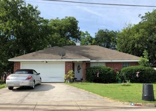 Pre Foreclosure in Fort Worth 76108 WYATT DR - Property ID: 1505919886
