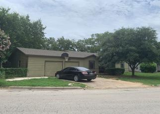 Pre Foreclosure in Haltom City 76117 OWENS ST - Property ID: 1505939591