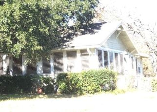 Pre Foreclosure in Greenville 75401 PARK ST - Property ID: 1505995201