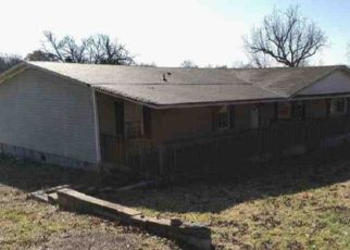 Pre Foreclosure in Watertown 37184 ROUND LICK HILLS LN - Property ID: 1506233465