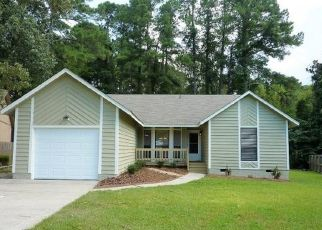 Pre Foreclosure in Fayetteville 28311 HASTINGS DR - Property ID: 1506715683