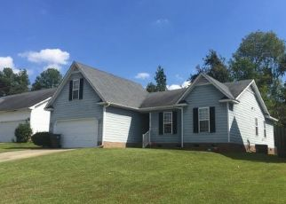 Pre Foreclosure in Fayetteville 28311 SHARPSBURG RD - Property ID: 1506731440