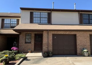 Pre Foreclosure in Lebanon 08833 HOWARD CT - Property ID: 1507343289