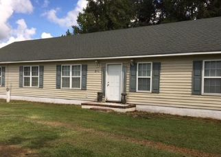 Pre Foreclosure in Burgaw 28425 SUNSHINE RD - Property ID: 1507959974