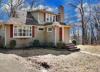 Pre Foreclosure in Warren 07059 HILLCREST BLVD - Property ID: 1508200856