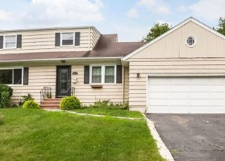 Pre Foreclosure in Bloomfield 07003 BROAD ST - Property ID: 1508229756