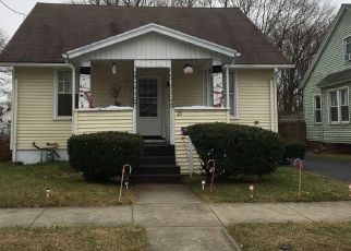 Pre Foreclosure in East Haven 06512 DEERFIELD ST - Property ID: 1508336169
