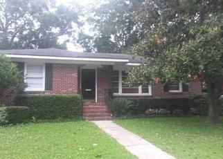 Pre Foreclosure in Mobile 36606 E BARKSDALE DR - Property ID: 1508702325