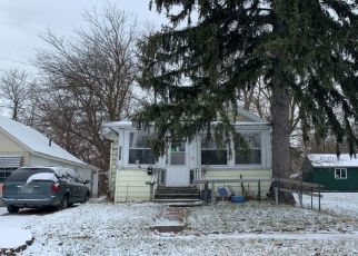 Pre Foreclosure in Lansing 48912 REGENT ST - Property ID: 1508931833