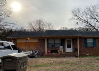 Pre Foreclosure in Huntsville 35811 SHAUN CIR - Property ID: 1509277383
