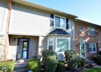 Pre Foreclosure in Louisville 40223 SYCAMORE GRN - Property ID: 1509635206