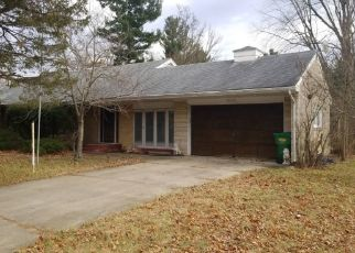 Pre Foreclosure in South Bend 46619 CRUMSTOWN HWY - Property ID: 1510253635