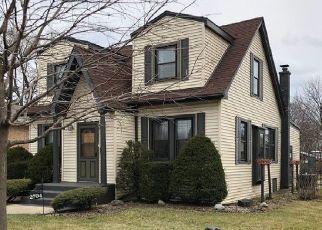 Pre Foreclosure in Melrose Park 60164 LANDEN DR - Property ID: 1510396411