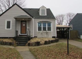 Pre Foreclosure in Calumet City 60409 PRICE AVE - Property ID: 1510449853
