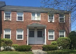 Pre Foreclosure in West Springfield 01089 MEMORIAL AVE - Property ID: 1510586937