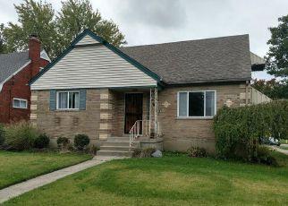 Pre Foreclosure in Cincinnati 45238 TUXWORTH AVE - Property ID: 1510630737
