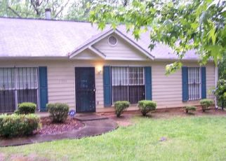 Pre Foreclosure in Atlanta 30354 MACON DR SE - Property ID: 1510822559
