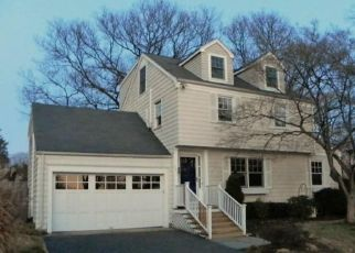 Pre Foreclosure in Fairfield 06824 NEWTON ST - Property ID: 1510991168