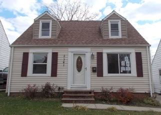 Pre Foreclosure in Maple Heights 44137 HOLLYWOOD AVE - Property ID: 1511135265