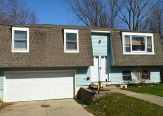 Pre Foreclosure in Olmsted Falls 44138 USHER RD - Property ID: 1511162874