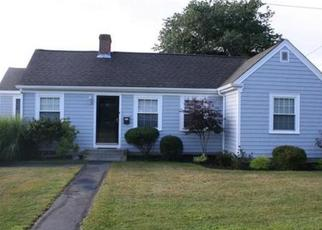 Pre Foreclosure in North Dartmouth 02747 BRYANT ST - Property ID: 1511753246