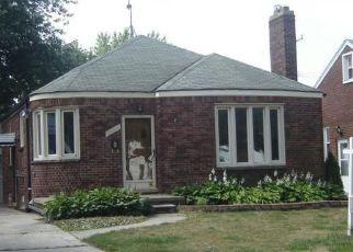 Pre Foreclosure in Harper Woods 48225 WASHTENAW ST - Property ID: 1512651535