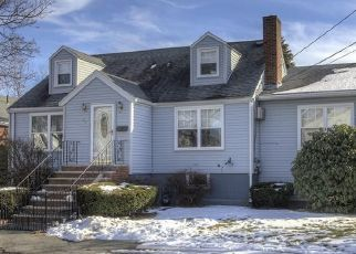 Pre Foreclosure in Saugus 01906 WICKFORD ST - Property ID: 1512844239