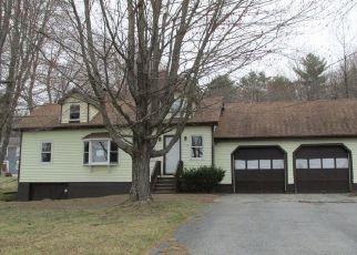 Pre Foreclosure in Lewiston 04240 HOGAN RD - Property ID: 1512868334