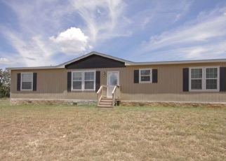 Pre Foreclosure in Comfort 78013 TURKEY RUN LN - Property ID: 1512989660