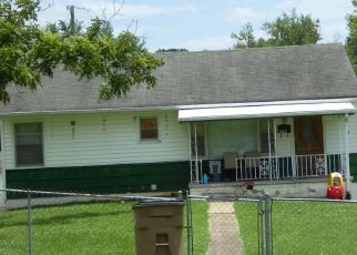 Pre Foreclosure in Knoxville 37917 SHAMROCK AVE - Property ID: 1513071107