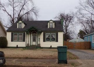 Pre Foreclosure in Memphis 38114 LOWELL AVE - Property ID: 1513102205