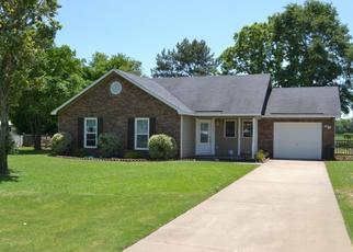 Pre Foreclosure in Hope Mills 28348 DOODLEBUG DR - Property ID: 1513273460