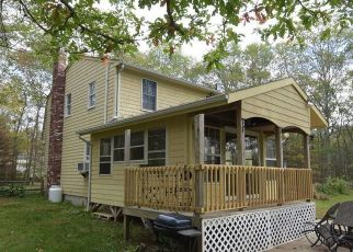 Pre Foreclosure in Coventry 02816 PERRY HILL RD - Property ID: 1513450849